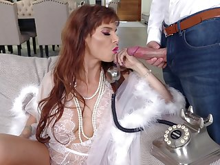 Really stunning MILF Syren De Mer is ready to take cock into her mouth for BJ