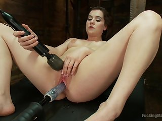 Hot Kasey Warner learns the wonders of a Hitachi Magic Wand