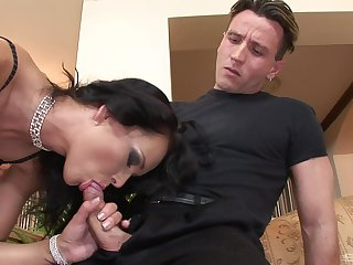Matured feels two energized cocks ramming her forth brutal scenes