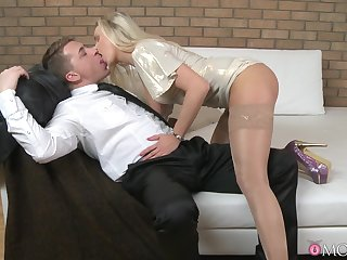 Dude in a big cock enjoys fucking muddy pussy of a hot blondie
