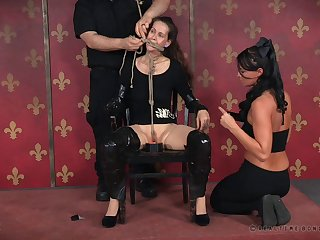 Dirty battle-axe loves being tied up and tortured apart from dominant Paintoy Emma