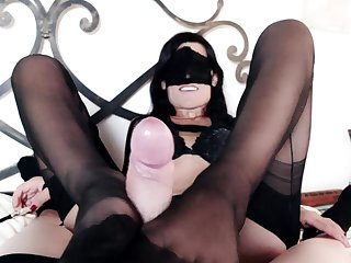 Lady Marilyn rewards her slave with a footjob and blowjob